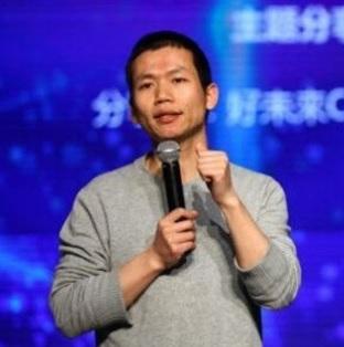 Zhang Bangxin performing